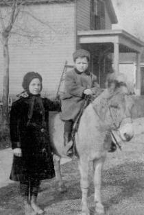 Hattie and Hank, ca. 1912-14